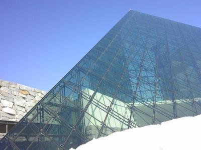 ガラスのピラミッド 4.jpg