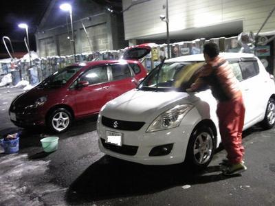 フィットとスイフト洗車.jpg