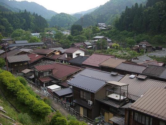 坂の上から見た妻籠の住宅街  1-5.jpg