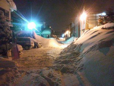 2011.01.18深夜の雪掻き・雪投げ108.jpg